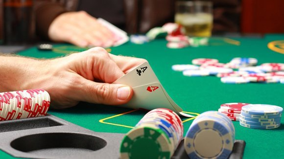 Tại sao mọi người lại chơi cờ bạc?